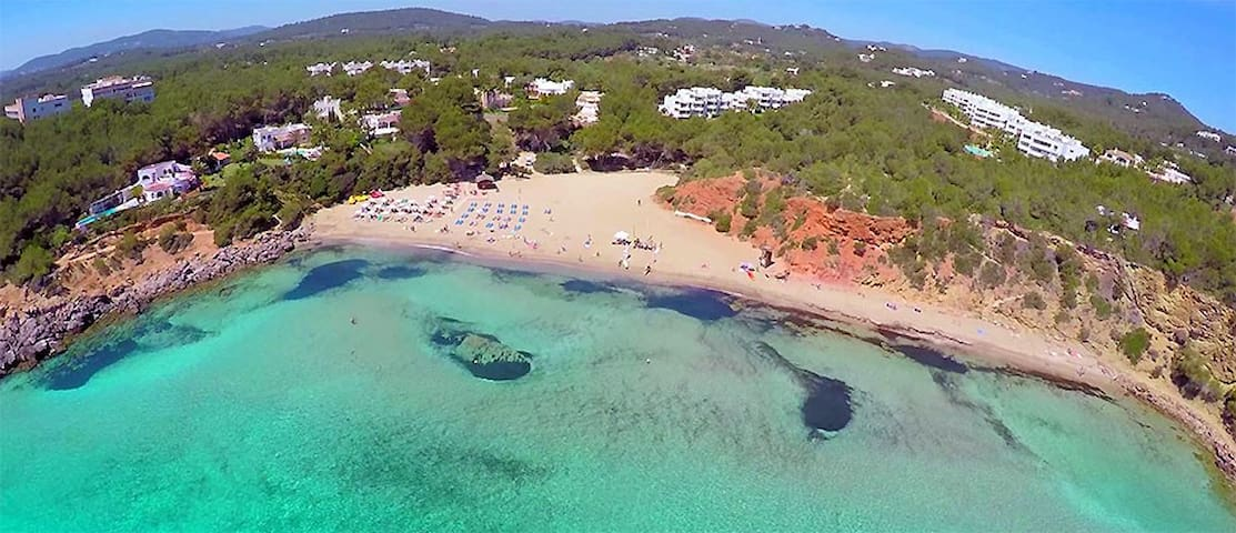 IBIZA SEA and GREEN A Beautiful flat in Cala Azul