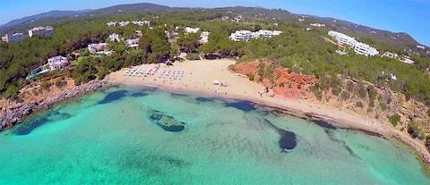 IBIZA SEA and GREEN A Beautiful flat in Cala Azul