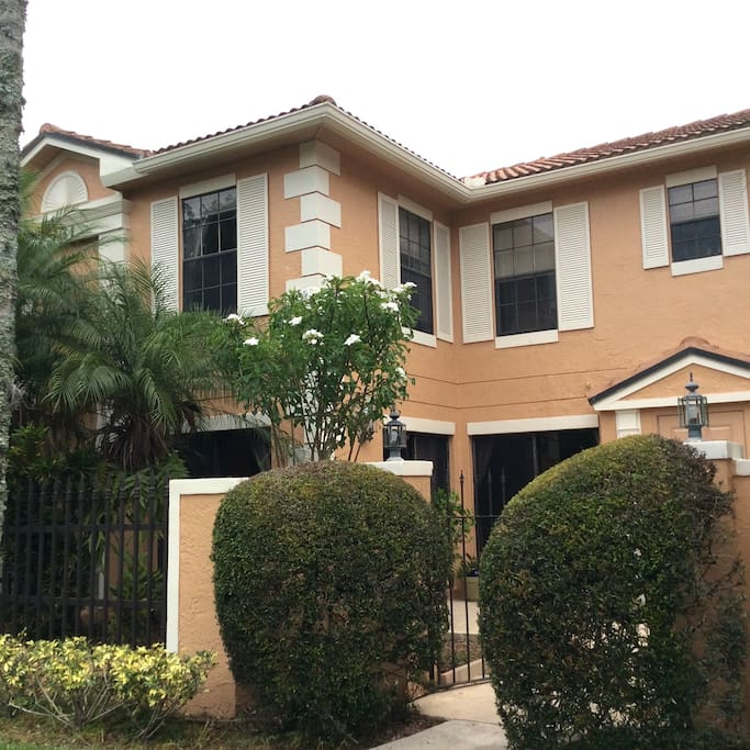 Pga National Townhome Townhouses For Rent In Palm Beach Gardens Florida United States