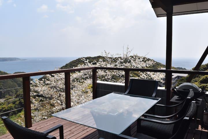 """""""La maison des petits lutins"""" Ocean view terrace!"""