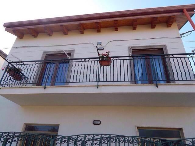 Casa dei Fiori - Pianillo