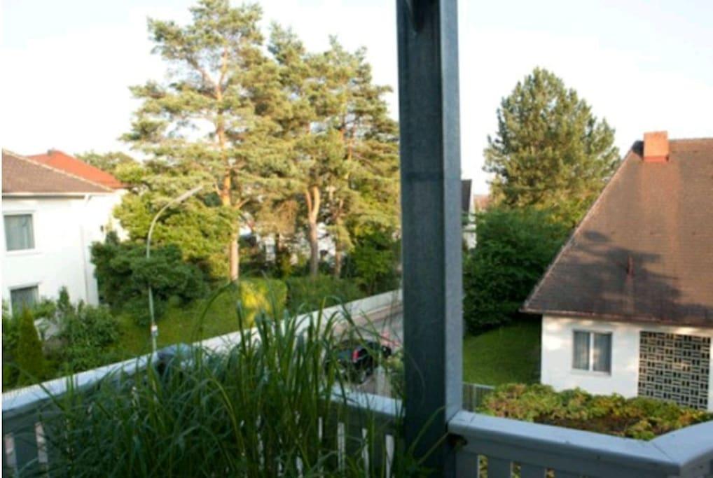 sonnige stilvolle oase mit balkon wohnungen zur miete in freising bayern deutschland. Black Bedroom Furniture Sets. Home Design Ideas
