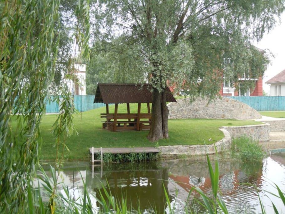 Communal picnic spot