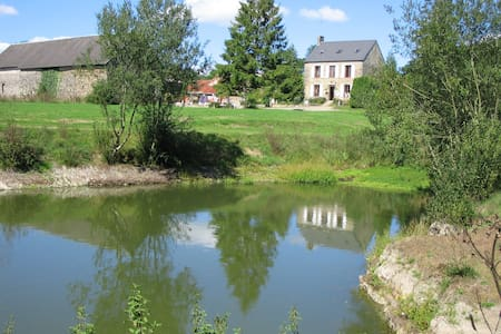 Camping Le Puits 1850 Farmhouse  - Saint-Martin-des-Besaces - Bed & Breakfast