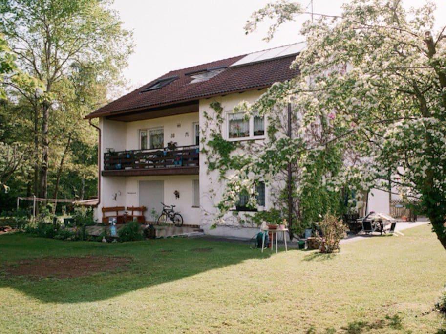 Das Haus im Frühling