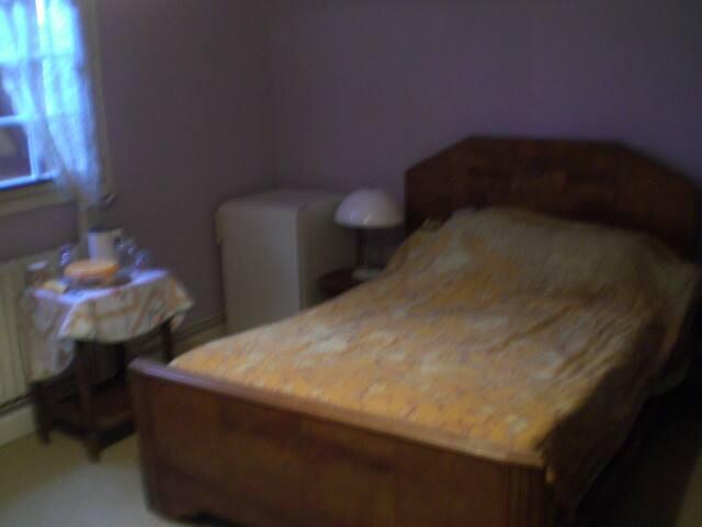 chambre à l'étage pavillon