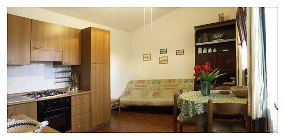 Agriturismo Piana Arborello zona giorno cucina dell'appartamento il Nido