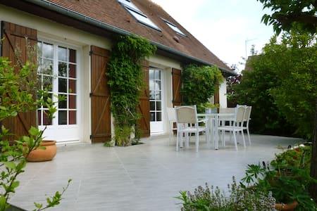 Between seaside resort and Caen - Anisy