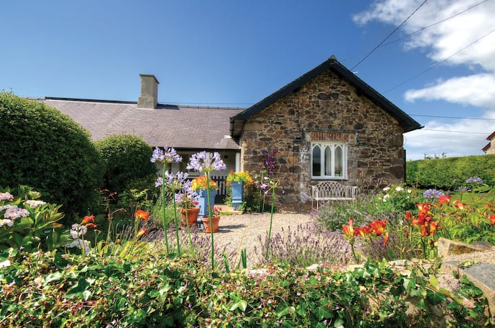 Swallow Cottage, gorgeous Grade II listed cottage
