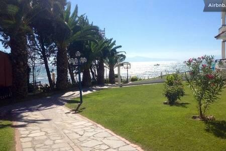 Sea front complex 90m2 maisonettes2 - Siviri