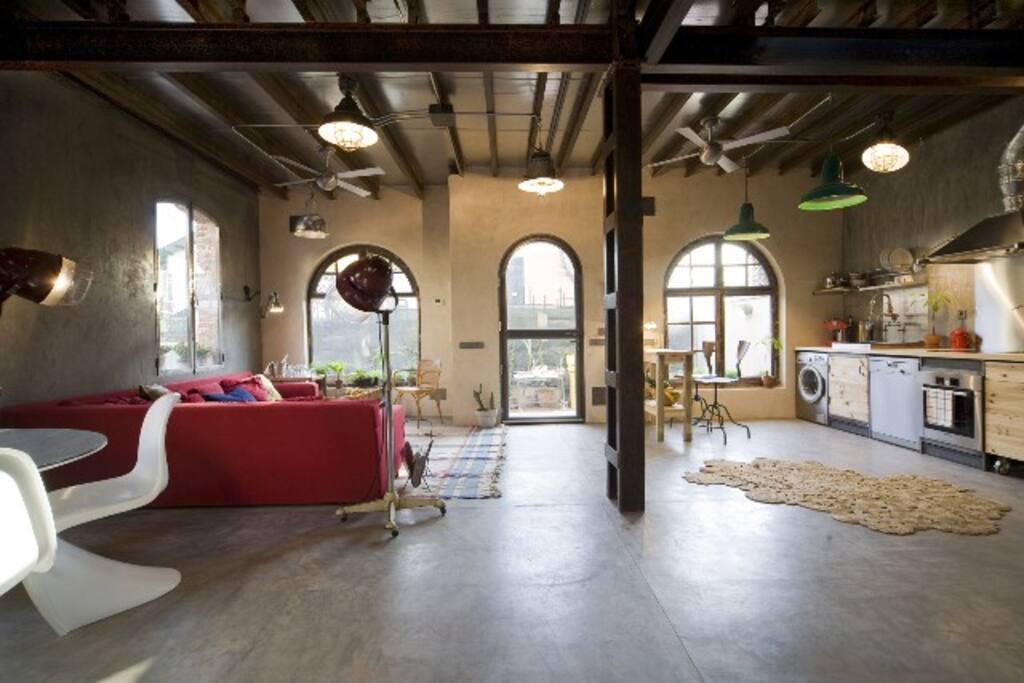Retiro park2 chalet industrial chic casas de invitados for Hoteles chic en madrid