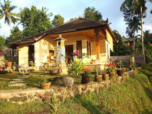 Padoba Mimpi house Bali Karangassem - Tirtagangga - House
