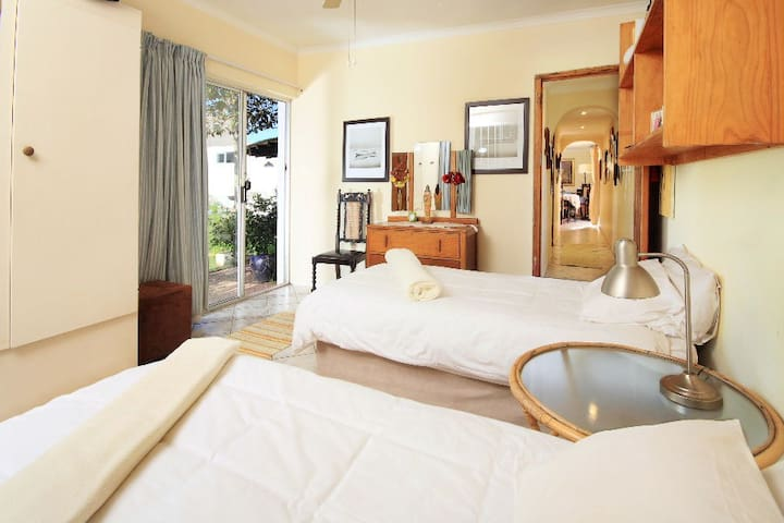 Pvt Room by the beach (2 Twin Beds) - Jeffreys Bay