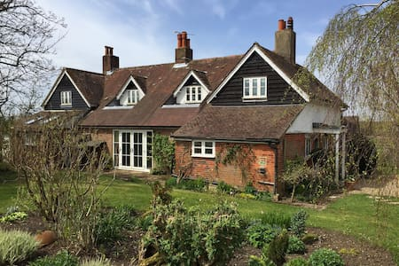 An Elegant period Cottage - Newton Valence - House