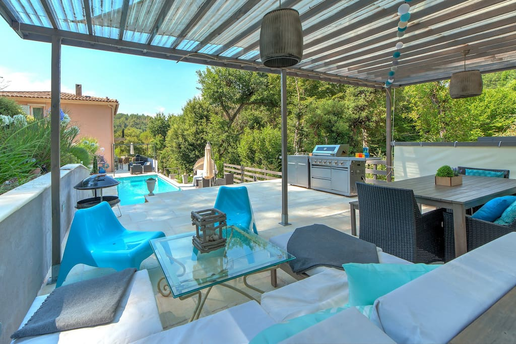 Pool terrace with high end bbq