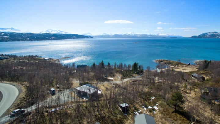 Seaview, Eveairport/2 free ticketsNarvik skiresort