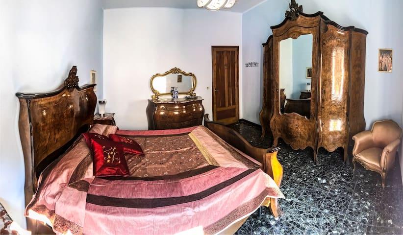 Casa Arneis due camere in pieno centro storico - Asti - Apartamento