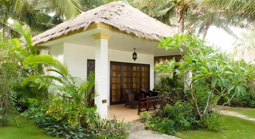 Garden Villa by the beach in Mui Ne