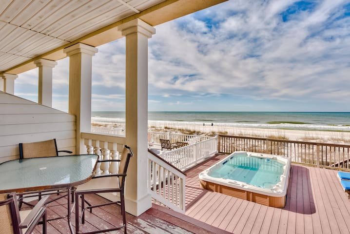 Bella Casa - 5 Bdrm Directly on the Beach & Huge Swim Spa!