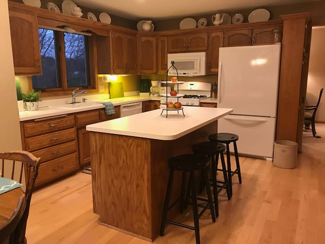Spacious, Fully-appointed Kitchen