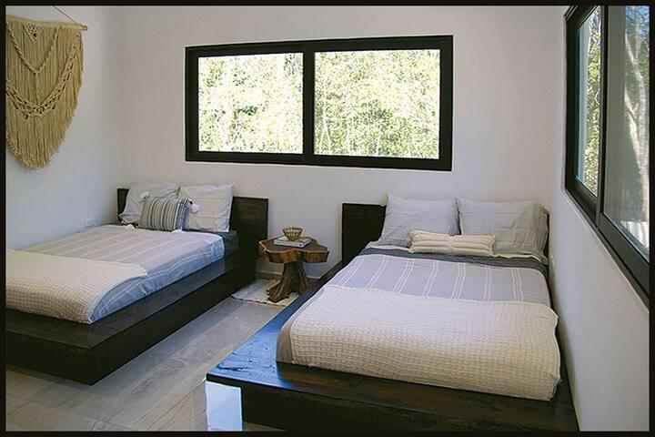 Bedroom, doublé beds, fan, AC, closets