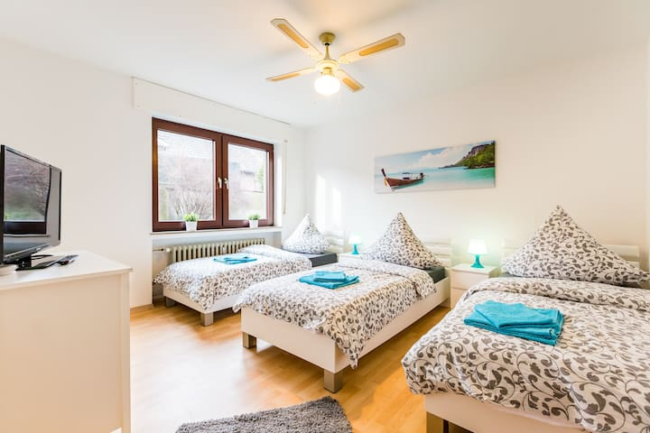 Spacious 3 room apartment + terrace for 12 pers. - Dormagen - Apartment