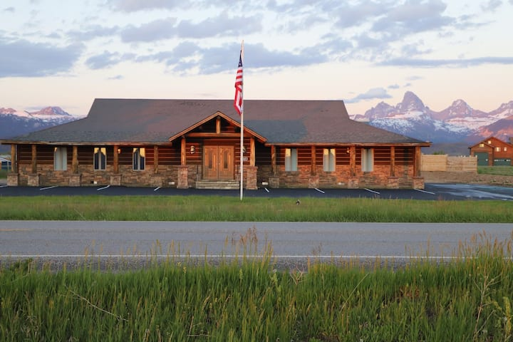 Entire Suite in the Teton Crest Lodge- Eagles Rest