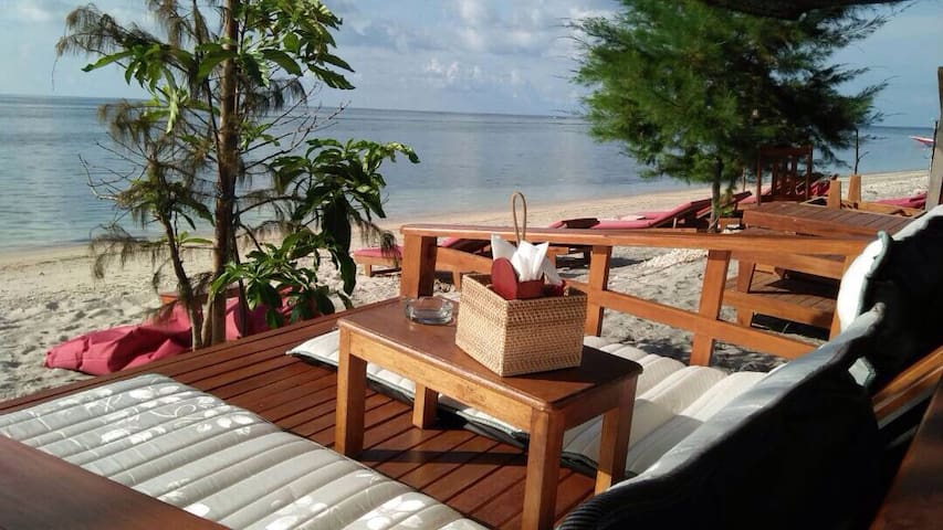 Andi's Bungallows 15(Breakfast,fan) - Gili Air - Domek parterowy