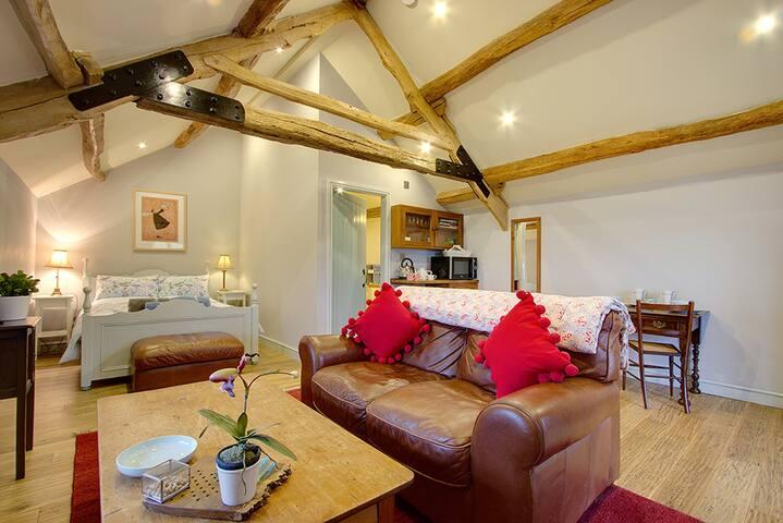 The Hayloft - Stunning Studio For 2, west Cumbria