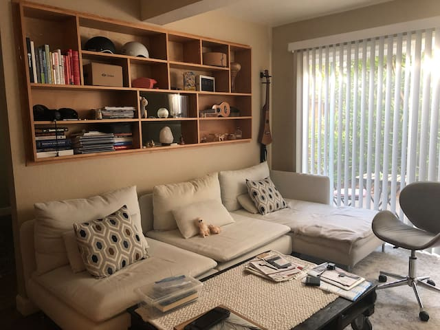 D1. Designer Studio Smart Home - Mountain View