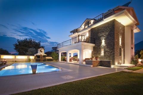 Villa Laguna Hamamlı Saunalı Ultra Lüx