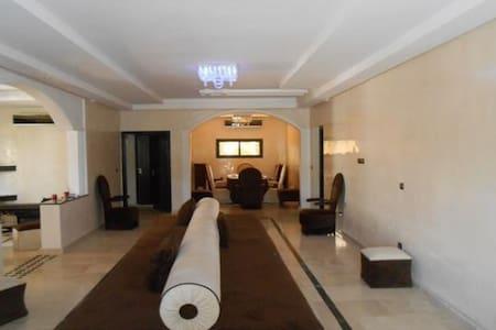 Trés Belle Villa à RABAT - Rabat - Villa