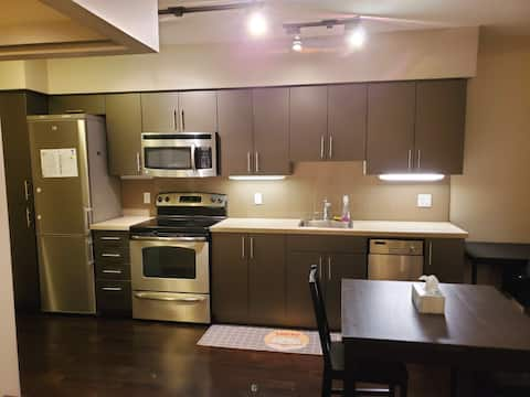 Lovely Apartment in SFU\ Burnaby Mountain
