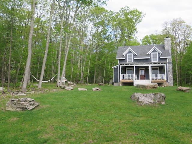Rustic Modern Catskills Cottage - Narrowsburg - Dům