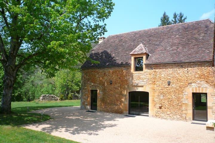 Charming House in Périgord - Prats-de-Carlux - Huis