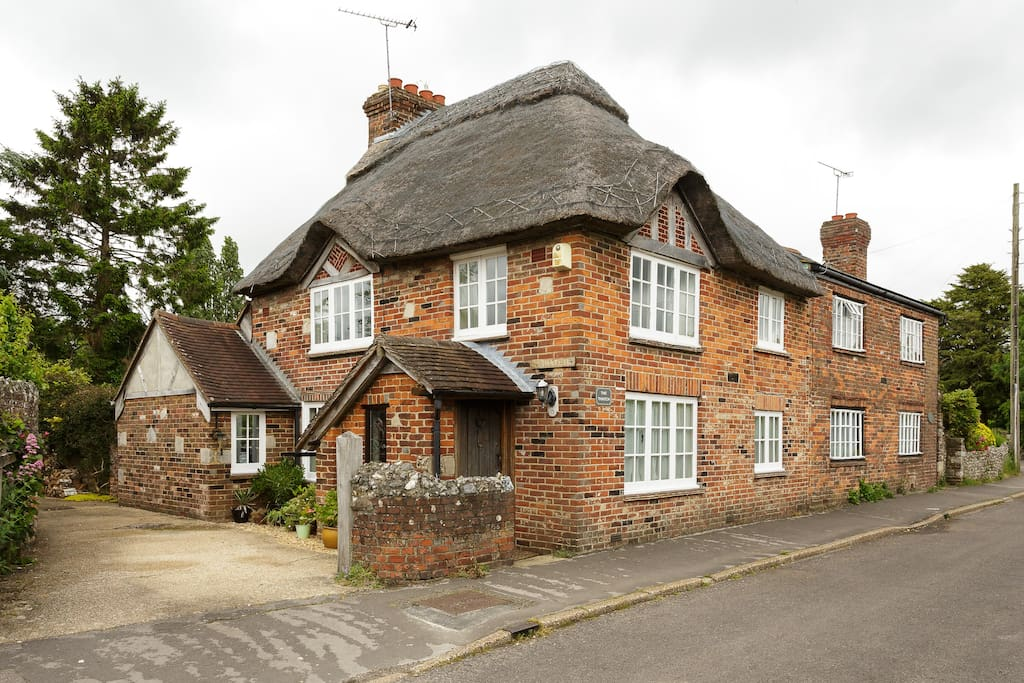 Thatched cottage in conservation village  near Chichester Harbour