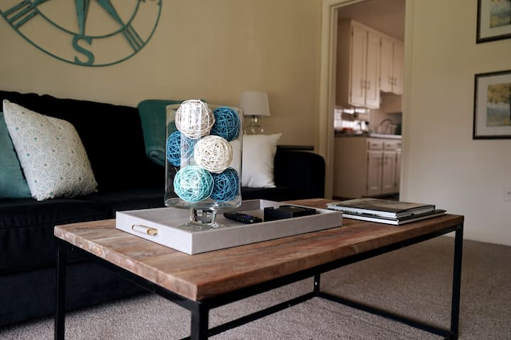 Tranquil 1bd/1ba - BEST downtown RO loc on AirBnB