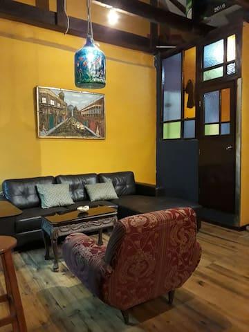 Habitacion completa, independiente y relajante.