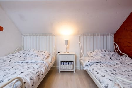 Cosy Attic Room near Belgian Coast - Leke, Diksmuide - House