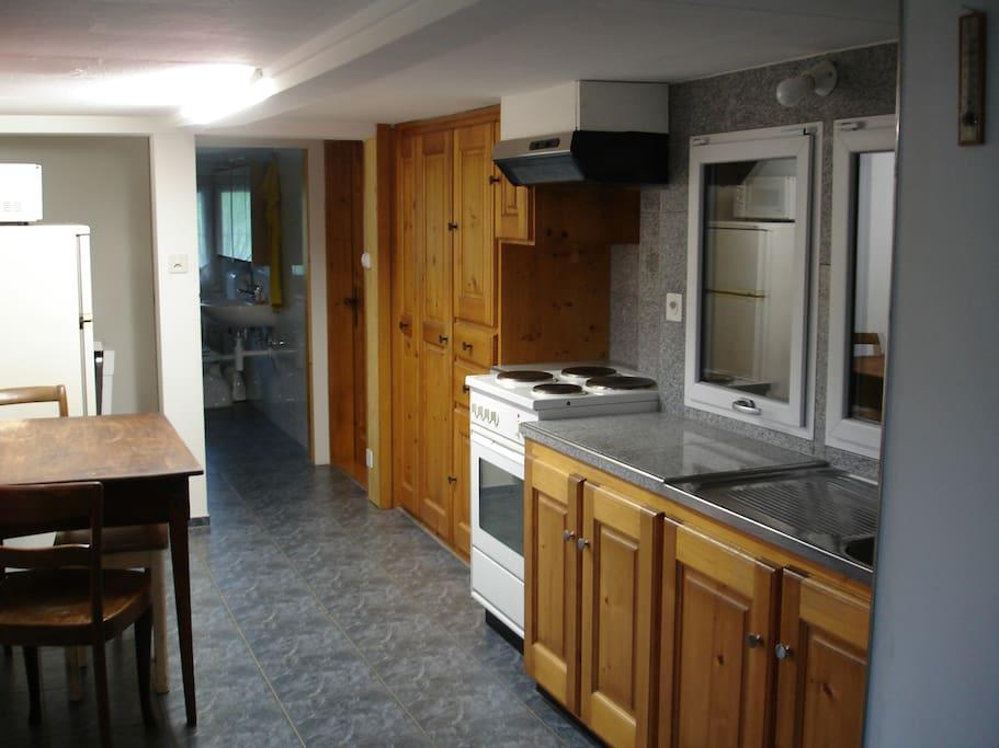 Küche mit grosser Ausstattung