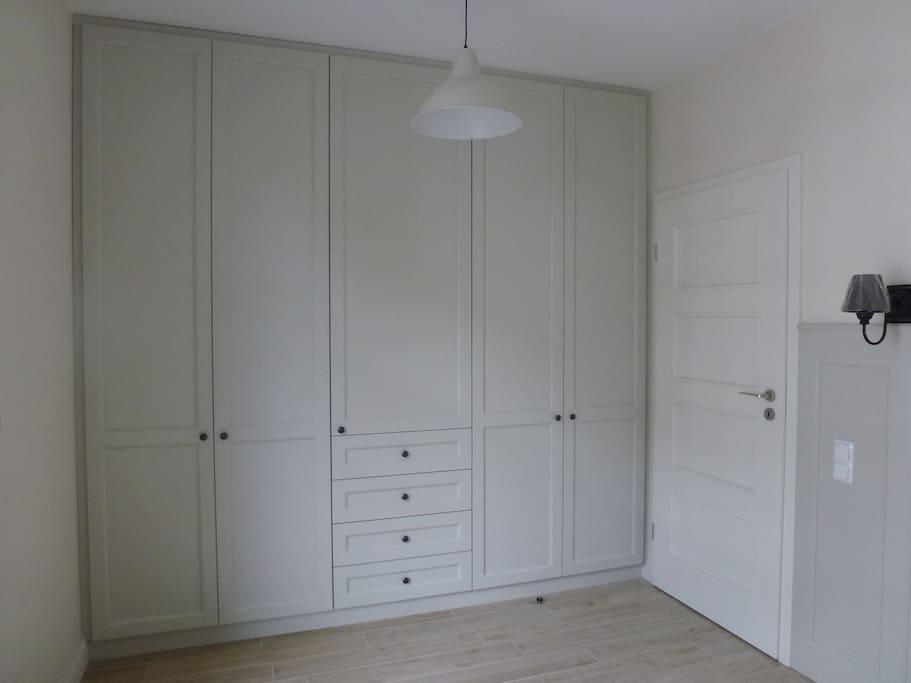 Sypialnia - wbudowana garderoba