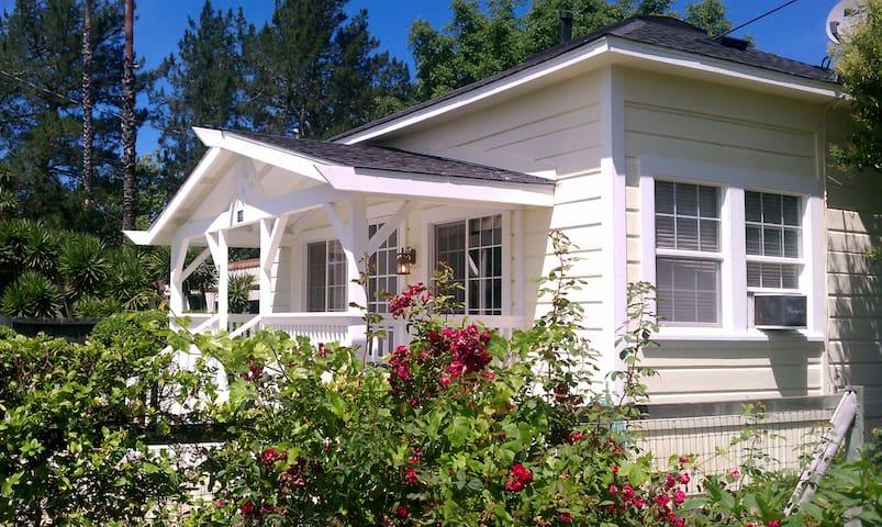 Wine country cottage, 2BR/1BA - Healdsburg - Casa