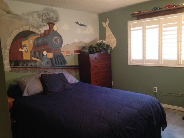 Large bedroom w/shared kit & bath - Mississauga - Talo