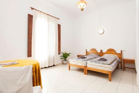 Spacious City Bedroom with Wifi - Palma de Mallorca - Huoneisto