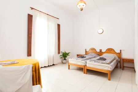 Spacious City Bedroom with Wifi - 팔마 데 마요르카 - 아파트