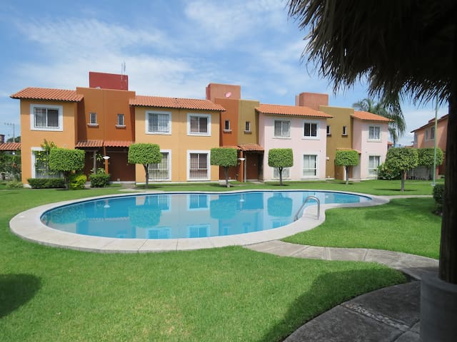 Hermosa casa-condominio para vacacionar en Morelos