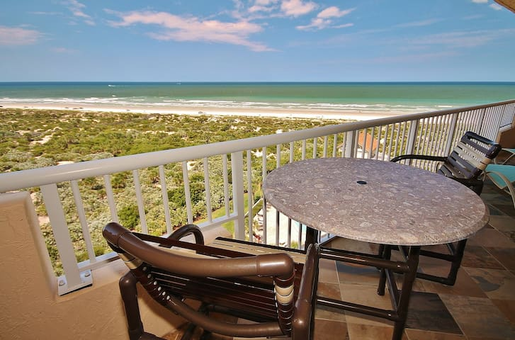Direct Oceanfront Condo with Spectacular Beach Views