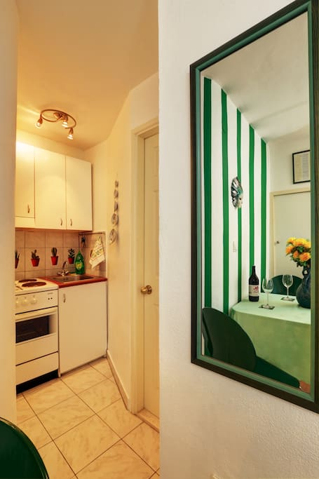 "Seafront studio apartment ""Green"""