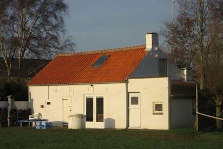 Charmant boerenhuisje bij strand - Walsoorden - Ξυλόσπιτο