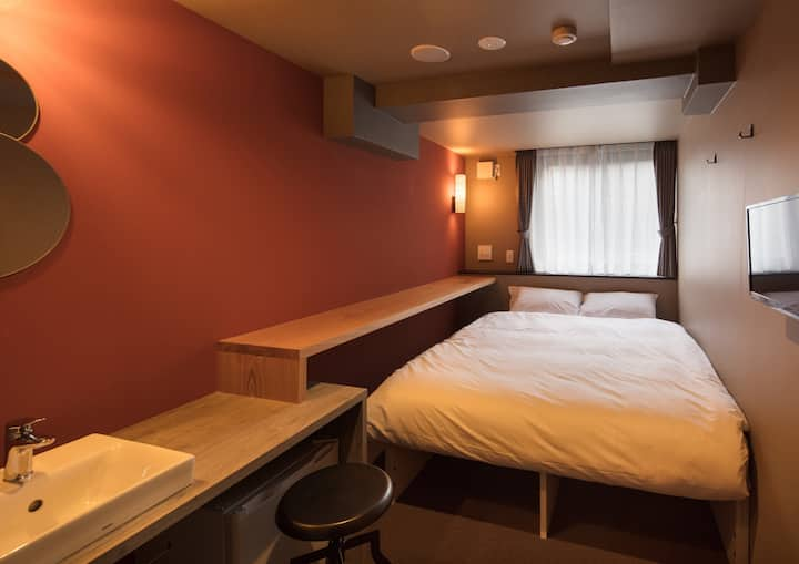 Single Room with good Location & Social vibe!